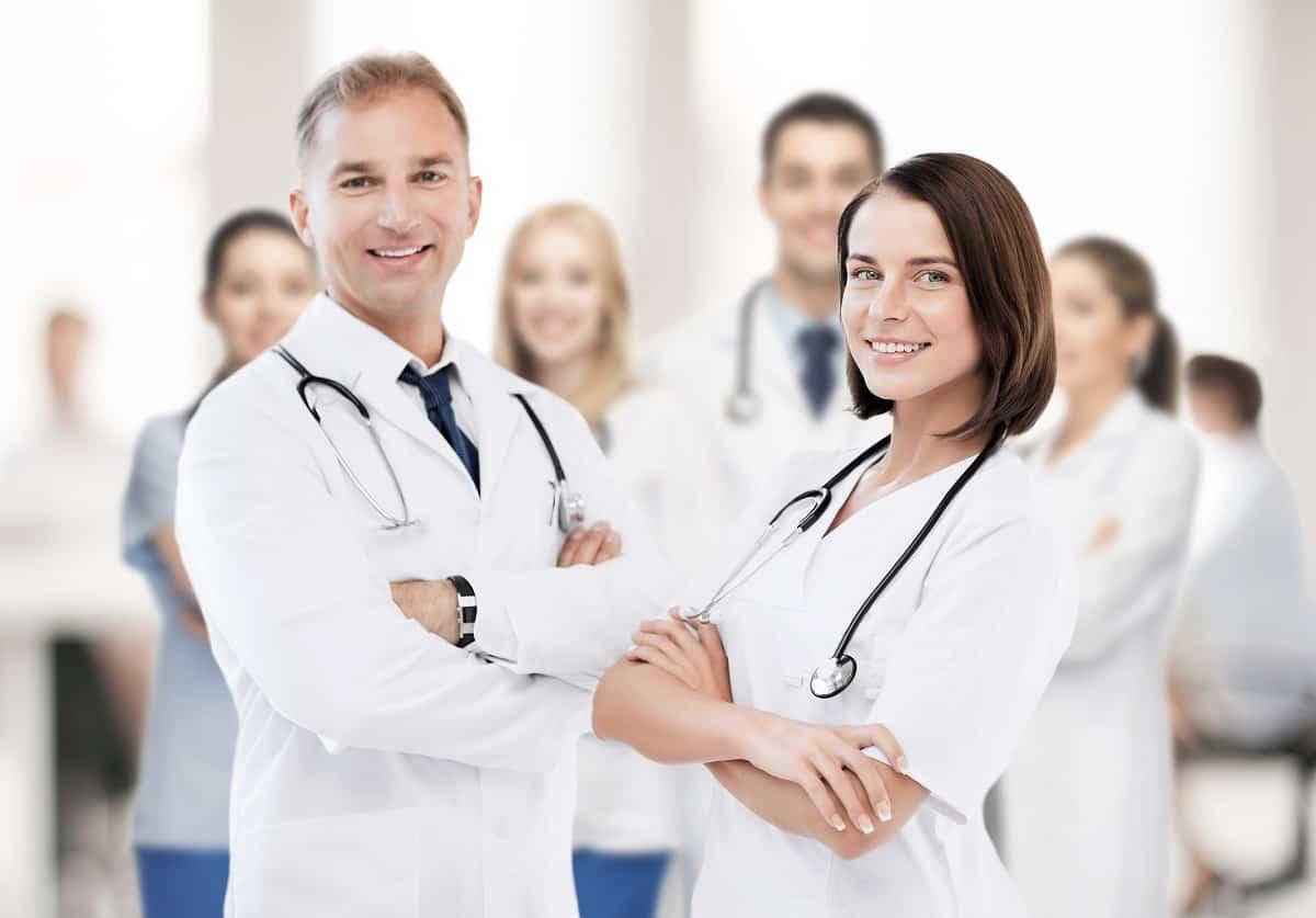 Ophthalmologists versus Optometrists